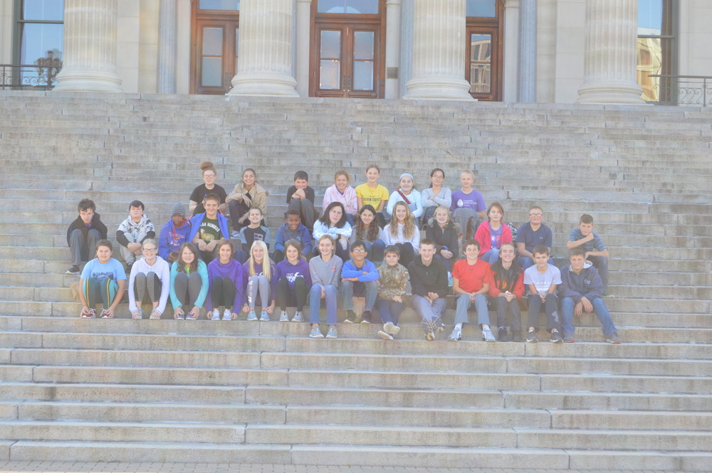 NCMS 7th Grade Field Trip to the Topeka State Capitol Building
