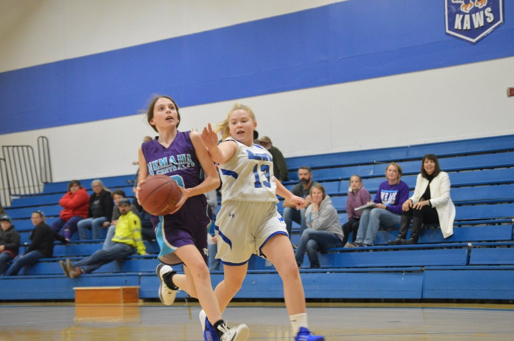 NCMS Lady Thunder Faces the Perry-Lecompton Kaws
