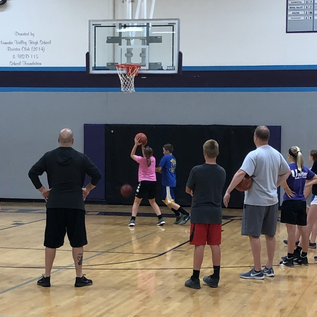 Ohlde Hoops working with bb players